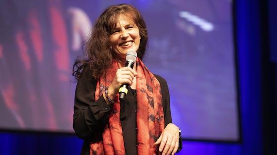 Die beliebte Seriendarstellerin Mira Furlan hat mit 65 Jahren den Kampf gegen das West-Nil-Virus verloren.