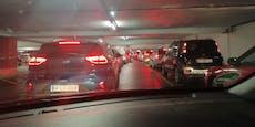 Corona-Teststraße bei Austria Center komplett überfüllt