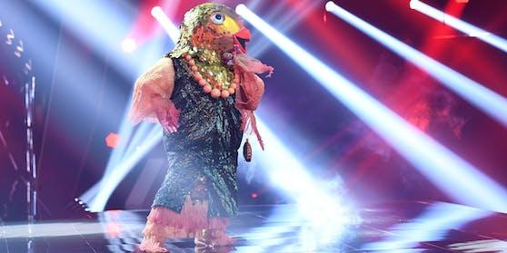 Rainer Schönfelder gelang in seinem Kostüm der Einzug ins Halbfinale der Puls4-Show.