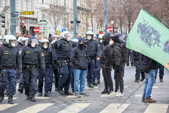 Polizeieinsatz im Rahmen der Corona-Großdemo am 16. Jänner 2021. (Archivbild)