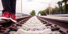Mutprobe! Teenager hüpften auf die Bahngleise in Melk