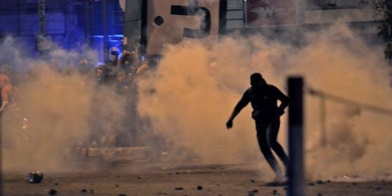 Am Montag kam es im Libanon zu heftigen Zusammenstößen von Demonstranten mit der Polizei. Es wurden mindestens 30 Personen verletzt.