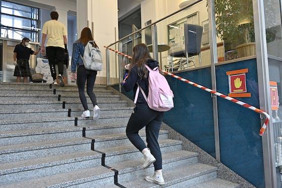 AHS-Lehrer wollen Schüler vom Unterricht ausschließen dürfen.