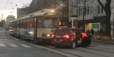 Lokalbahn kracht mit Ford-Van in Wieden zusammen