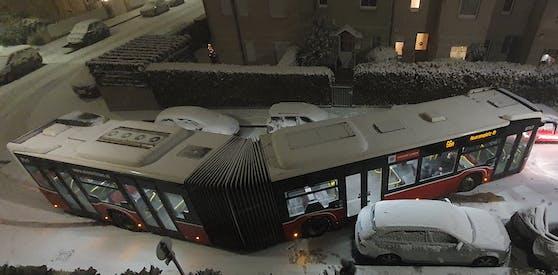 Durch den heftigen Schneefall kam es am Dienstagabend zu einem Unfall