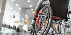 71-Jähriger prügelt seine Ehefrau aus Rollstuhl