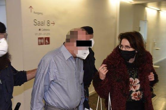 Angeklagter mit Anwältin Astrid Wagner