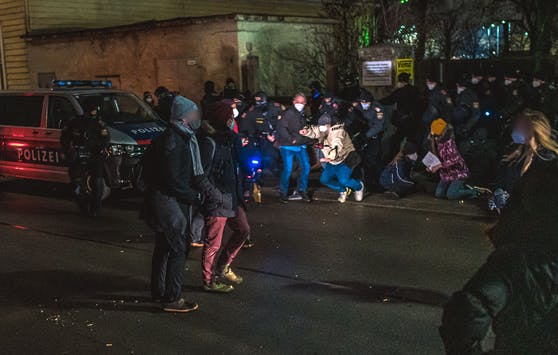 Donnerstagfrüh Wien-Simmering: Proteste gegen Abschiebung nach Georgien