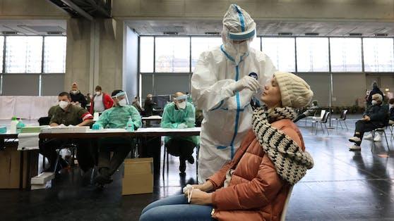 In den Teststraßen der Stadt Wien werden kostenlos Antigen-Schnelltests durchgeführt.