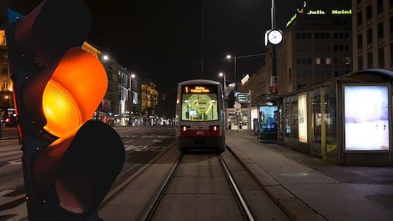 Wien müsste eigentlich auf orange gestellt werden.