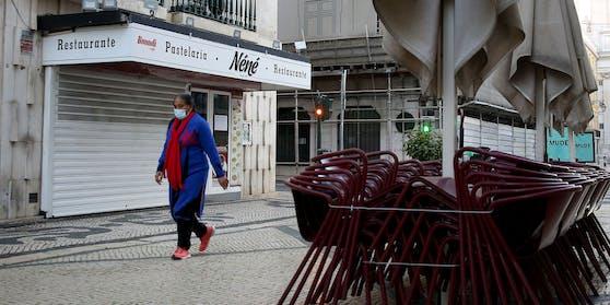 Die portugiesische Regierung hat wegen extrem hoher Corona-Infektionszahlen die Schließung der Grenze zum Nachbarland Spanien ab Freitag angeordnet.