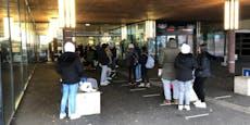Riesen-Andrang bei Eislaufplatz, Polizei rückt an