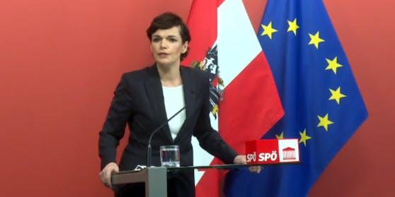"""SPÖ-Chefin Pamela Rendi-Wagner im """"Roten Foyer"""""""