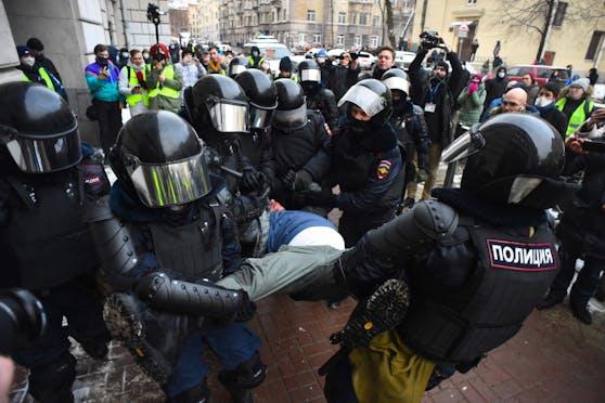 In Russland wurden Meldungen zufolge mehr als 1.000 Nawalny-Unterstützer festgenommen.