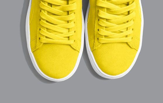"""Pantone, die für ihr Farbsystem PMS (Pantone-Matching-System) bekannt wurden, haben zum ersten Mal zwei Trendfarben gekürt:""""Illuminating"""" und """"Ultimate Grey"""""""