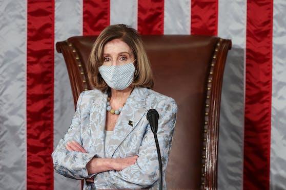 Legte den Amtseid ab: Die 80-jährige Nancy Pelosi wird vom Repräsentantenhaus als Vorsitzende bestätigt. (3. Januar 2021)