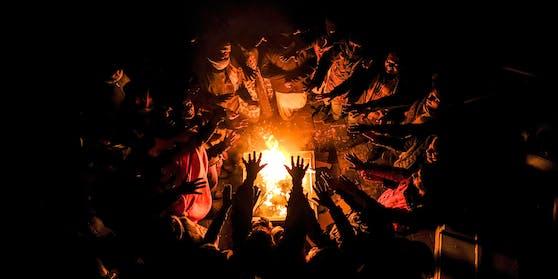 Die Migranten leben ohne Strom, Heizung und fließend Wasser.