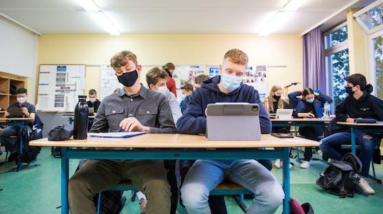 Die Oberstufen können für Schularbeiten oder Vorbereitungen schon Anfang Jänner zurück an den Standort geholt werden, heißt es aus dem Bildungsministerium.