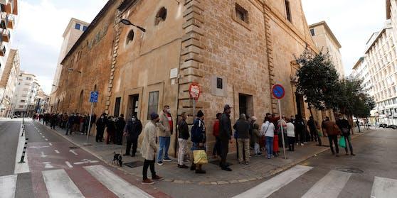 Das Coronavirus breitet sich auf Mallorca rasend schnell aus.