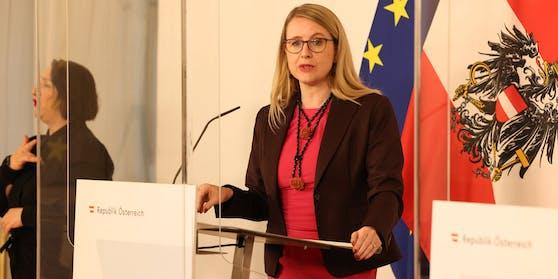 """Wirtschaftsministerin Margarete Schramböck will den """"Eintrittstest"""""""