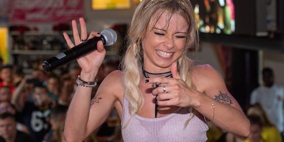 Schlager-Sängerin Mia Julia