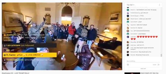Die Randalierer streamten live aus dem Capitol in einem Youtube-Kanal.