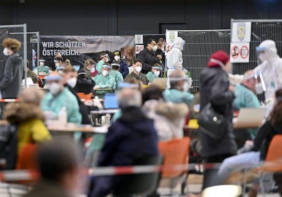 """Coronatests in der Stadthalle Wien. Sie sollen zum """"Ticket"""" werden."""