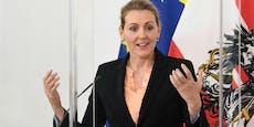 Plagiatsvorwürfe – Aschbacher tritt als Ministerin zurück