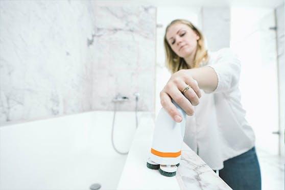 3.500 Prozent ausfinanziert, verspricht dieses Gerät, den Alptraum des Schrubbens mit der Hand zu beenden.