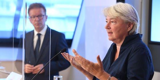 """Virologin Elisabeth Puchhammer-Stöckl: """"Reintesten"""" am besten an jenem Tag, an dem die Veranstaltung stattfindet, und nicht in den derzeit kolportierten 48 Stunden."""