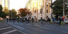 Rad-Demo gegen Lobau-Autobahn legte Verkehr lahm