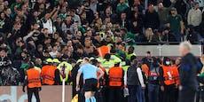 """Englische Presse teilt gegen """"hirnlose"""" Rapid-Fans aus"""