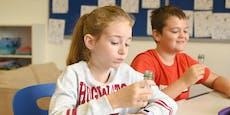 Corona-Skeptiker schicken Kids wieder zurück in Schule