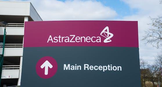 AstraZeneca hat bei der US-Arzneimittelbehörde FDA eine Notfallzulassung für ein Covid-19-Medikament beantragt.