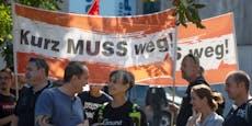 """Ciao Basti, Ciao!"" Demo gegen Kurz vor ÖVP-Zentrale"
