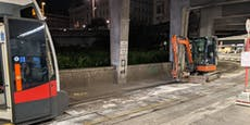 Bagger auf Gleisen abgestellt – Schottentor blockiert
