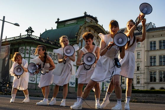 """Für das """"urbanize"""" Festival tritt der Sirenen Chor am Sonntag am Wiener Wallensteinplatz auf."""
