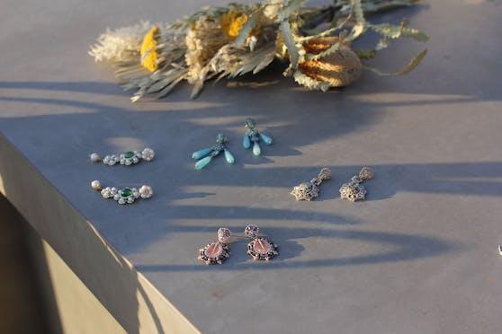 Eines dieser herrlichen Ohrringpaare könnte mit ein wenig Glück dir gehören: Ohrschmuck von Maschalina aus den Kollektionen Pamola Beach, Flowers of Cannes, Shades of Cannes und Monaco Sunrise.