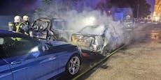 2 Pkw in Vollbrand, Feuerwehr rettete drei weitere