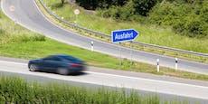 Falsche Ausfahrt: Autofahrer wendet auf Tauernautobahn