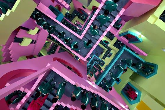 """""""La Muralla Roja"""" sieht den Treppen in """"Squid Game"""" (Bild) täuschend ähnlich."""