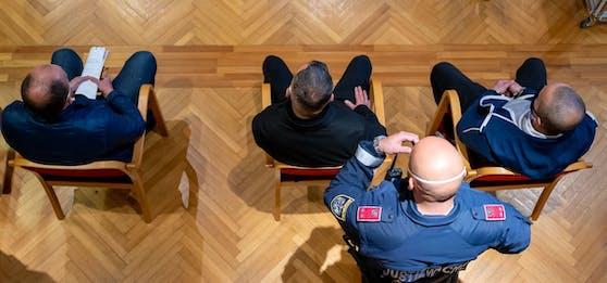 Der Mordprozess um einen 50-jährigen Letten wurde auf Mitte November vertagt.