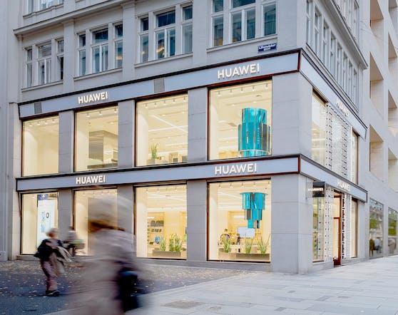 Die Eröffnung des Huawei Flagship Store Wien feiert Huawei mit speziellen Sonderangeboten und Goodies für die ersten Kund:innen.