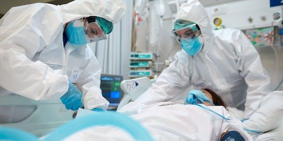 Immer noch liegen hunderte Menschen mit schwerer Covid-Erkrankung im Spital. Symbolbild