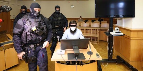 Der IS-Anhänger im Gerichtsaal.