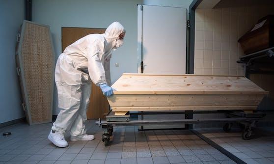 Ein investigatives Netzwerk hat in Serbien eine Vertuschung der dortigen Corona-Todeszahlen aufgedeckt. (Symbolbild)