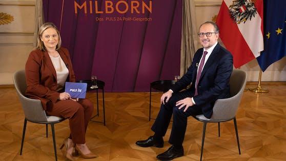 Bundeskanzler Alexander Schallenberg im Puls24-Interview mit Corinna Milborn.