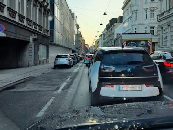 Stau auf der Schönbrunner Straße sorgte für Frust im Morgenverkehr.