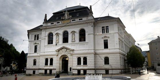 Am Landesgericht Salzburg wird der Familie am Donnerstag seit 9 Uhr der Prozess gemacht.