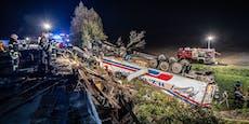 Fotos zeigen unglaublichen Lkw-Überschlag nach Unfall